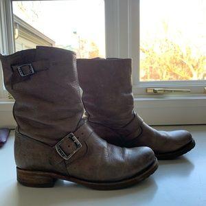 Shortie Frye Light Brown Boots